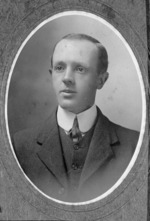 Edwards, Joy: Photograph of Basil Bramston Hooper, 1876-1960