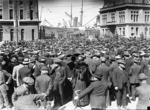 Crowd at Queens Wharf, Wellington, during the 1913 Waterfront Strike