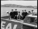 Crew on TEAL's inaugural Wellington to Sydney flight, Evans Bay
