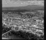 Lake Rotoroa, (centre) and Waikato River, Hamilton