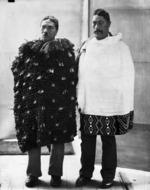 Tutakangahau and Numia Kereru