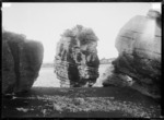 Houa Rock, Raglan Harbour, 1910 - Photograph taken by Gilmour Brothers
