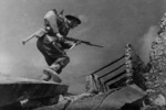 A soldier during manoeuvres on the Cassino battlefront, Italy