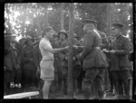 Brigadier General Braithwaite presenting a prize at the New Zealand Division water sports, World War I
