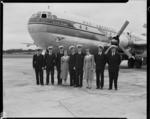 Pan American Airways Clipper Rainbow and crew at Whenuapai