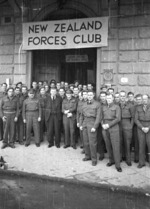 Daniel Giles Sullivan, Col Fred Waite, Col B Barrington and soldiers, outside the NZ Forces Club, Florence, Italy