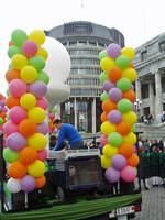 Michael Campbell Parade 3 2005.JPG