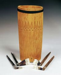 Tunuma (container for storing tattooing implements)