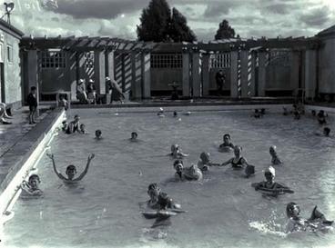 Image: Rotorua Blue Baths
