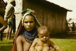 Woman and child,  Mt Hagen sub-district, [Papua New Guinea], Mar 1965