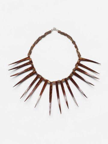 Fuataimi's costume: Ula nifo (necklace)