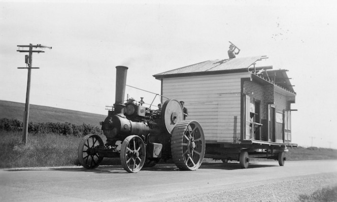 Traction engine transporting a house from Rocky Gully to Timaru.