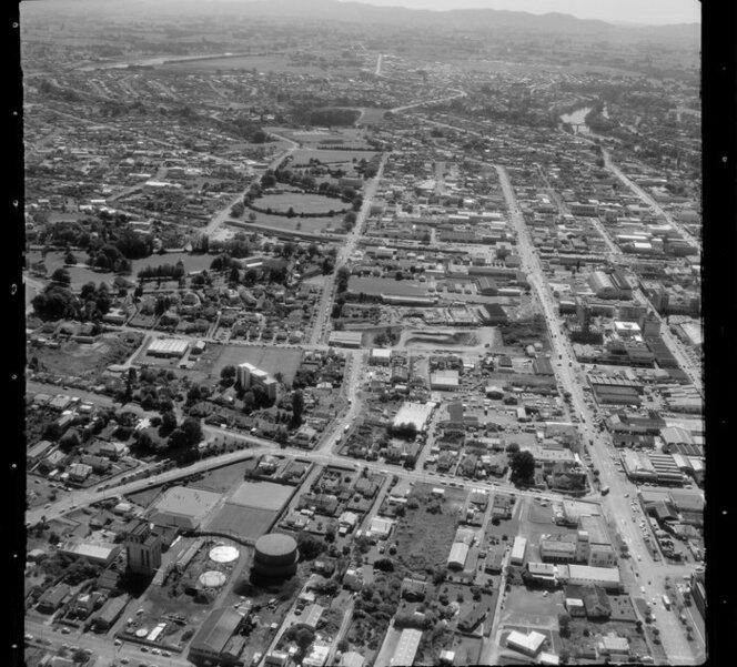 Hamilton, including city buildings