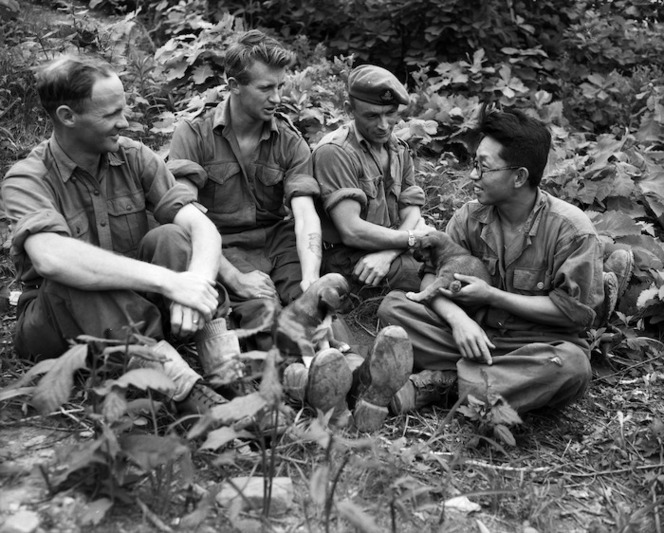 Korean houseboy and New Zealand soldiers