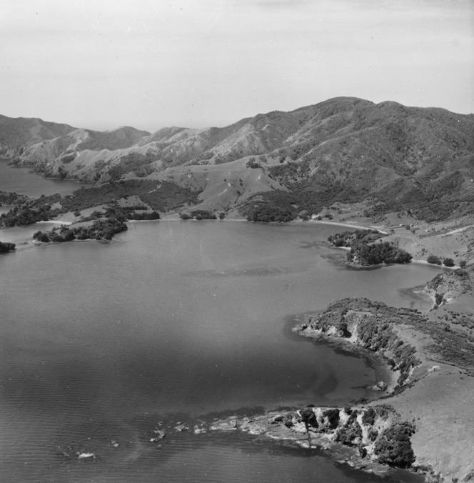 Kaingahoa Bay and Taiharuru Bay, Rawhiti, Bay of Islands