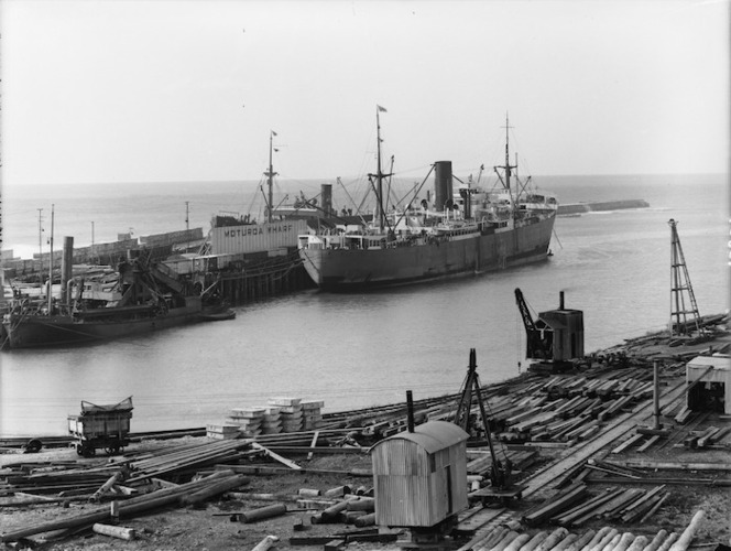 Moturoa wharf and the ship Port Caroline