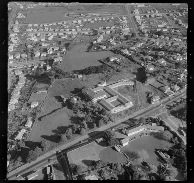 Unidentified school and institution [Mt Roskill, Auckland?]