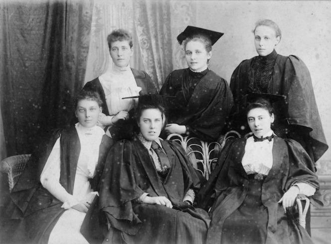 Naudin Studios (Photographers) : Female university undergraduates, Sydney
