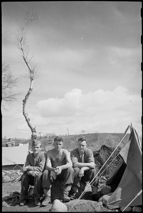 New Zealanders in the forward areas of the Italian Front, World War II - Photograph taken by George Kaye
