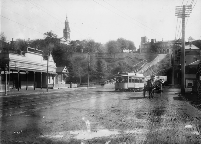 Muir and Moodie fl 1898-1916 (Photographers) : The Strand, Parnell, Auckland, looking towards Constitution Hill