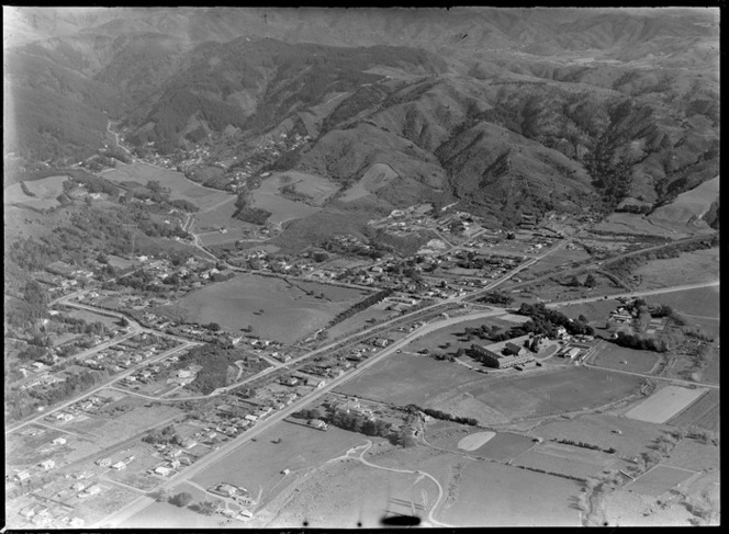 View of the suburb of Silverstream with Fergusson Drive and Saint Patrick's College, Upper Hutt City, Wellington Region