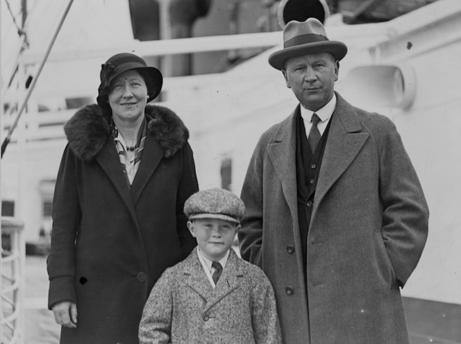 Humphrey Francis O'Leary, his wife and son