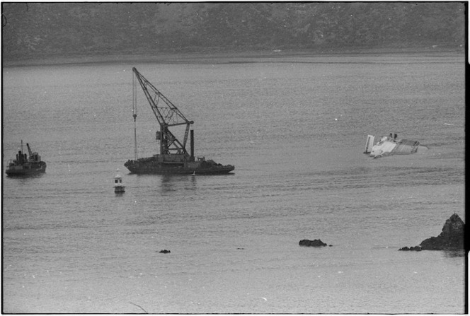 Dredge Kerimoana, floating crane Hikitia, and Wahine wreck, Wellington Harbour