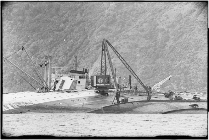 Crane on the hull of the Wahine wreck, Wellington Harbour