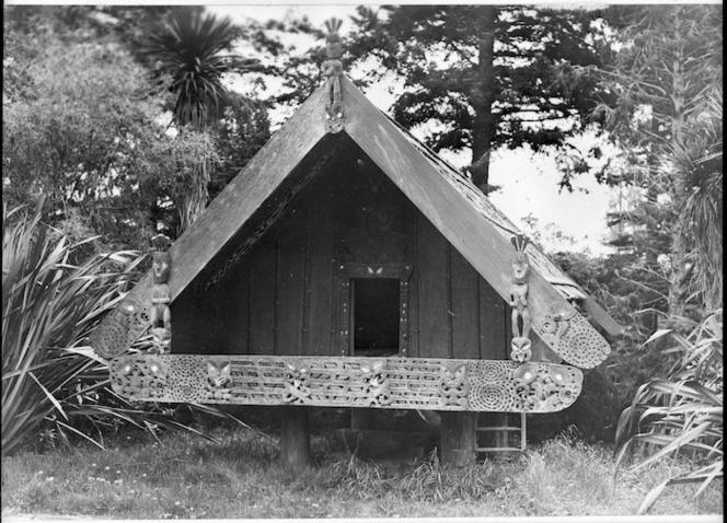 Maori storehouse Whakairo Nuku Tewhatewha at Brancepeth Station, Masterton area