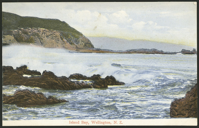 Postcard. Island Bay, Wellington, N.Z. New Zealand postcard (carte postale). 95944. [ca 1905-1914].