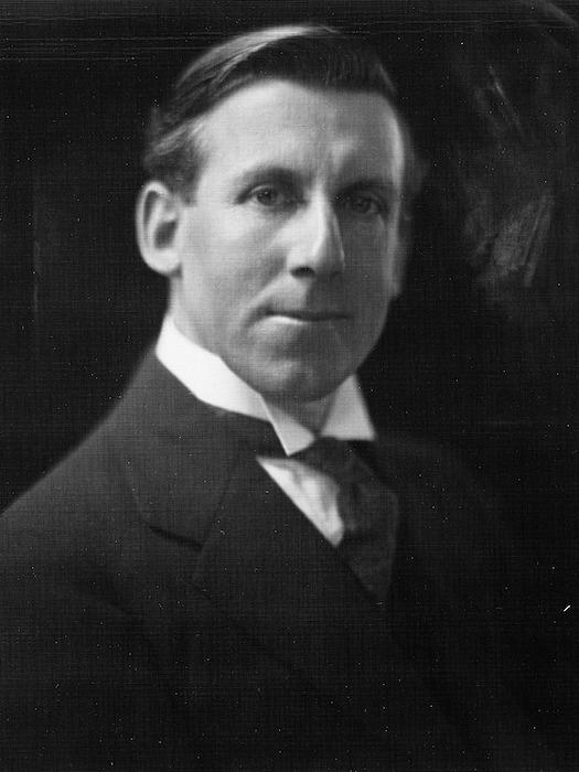 Dickson Collection :Portrait of Ernest Empson