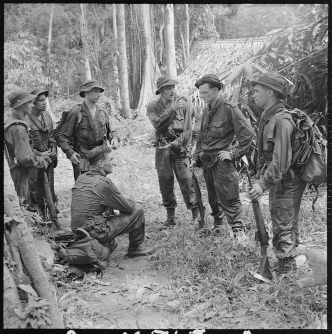 soldats britanniques, australiens, néo-zélandais... et malaisiens ?resize=664%3E&src=http%3A%2F%2Fndhadeliver.natlib.govt