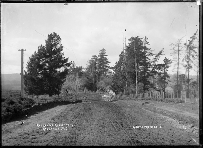 Waipa Road, running from Raglan, near Te Uku, 1910 - Photograph taken by Gilmour Brothers
