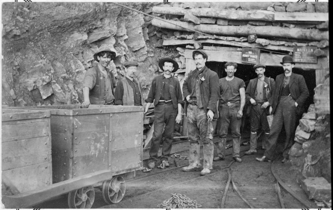 Coal miners at the entrance to the number 1, or 2, Rewanui mine. Photograph taken by Mascotte Studio between circa 1900-1920.