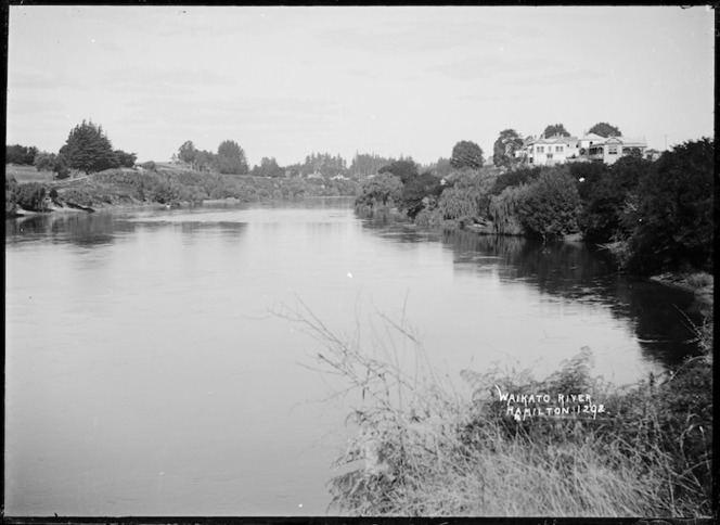 Waikato River at Hamilton, circa 1905-1910
