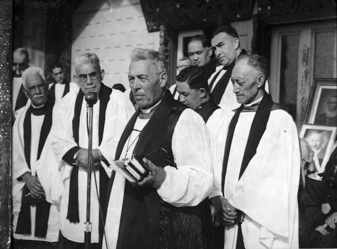 Bishop Frederick Bennett and others at the tangi of Sir Apirana Ngata