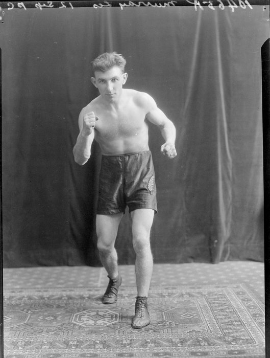 Mr Les Murray, boxer