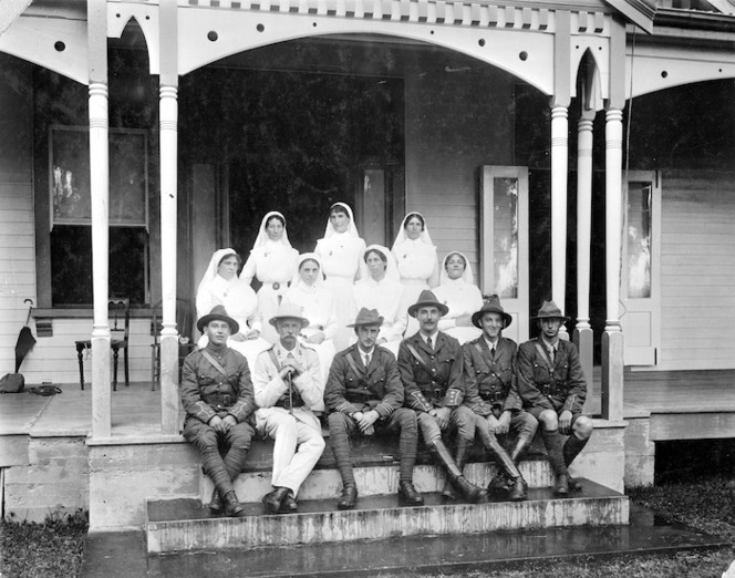 Group of nursing staff and members of the armed forces at Apia Hospital during World War I