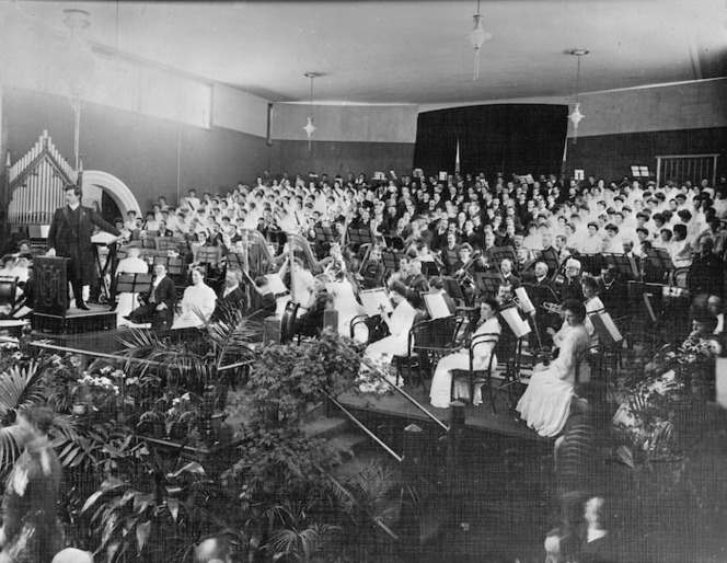 Alfred Francis Hill and orchestra at the New Zealand International Exhibition in Christchurch