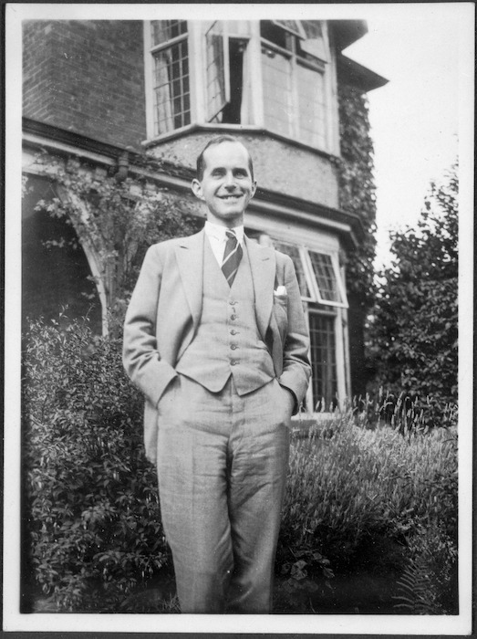 Photograph of William Parker Morrell, 1899-1986
