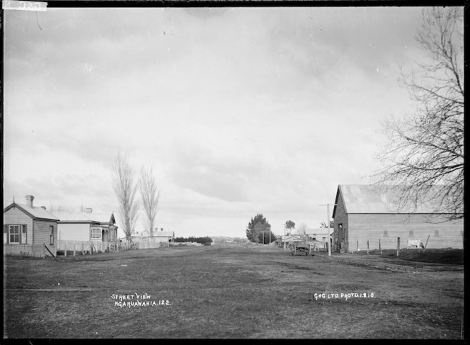 Street view at Ngaruawahia, 1910 - Photograph taken by G & C Ltd