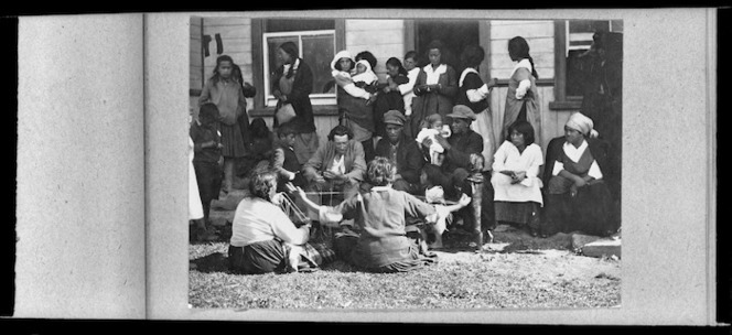 Maori group at Jerusalem, Wanganui