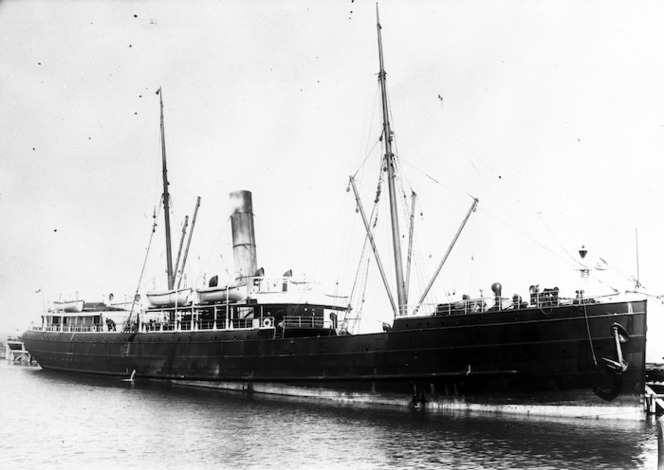 Steamship Talune at the Napier breakwater
