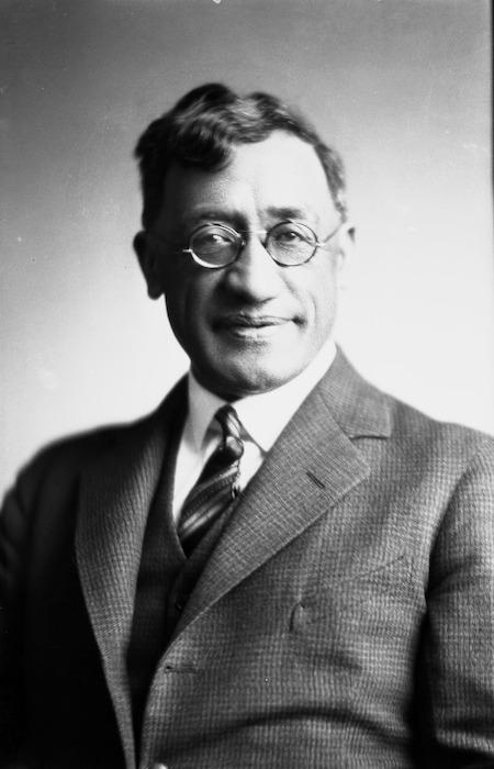 Kingi Te Ahoaho Tahiwi