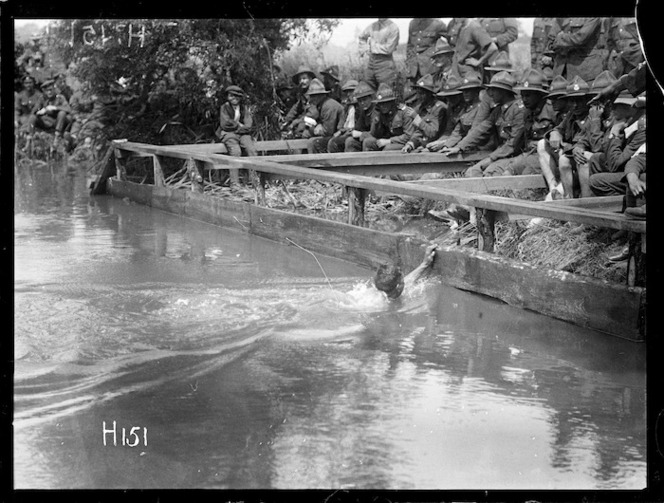 A race finish at the New Zealand Division water sports, World War I