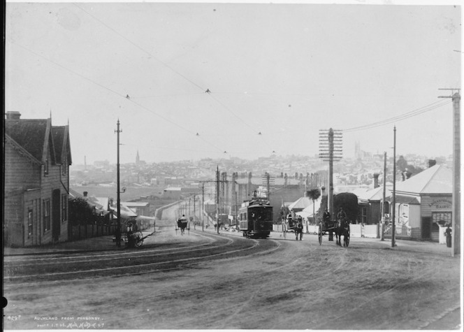 Creator unknown : Photograph of College Hill, Auckland, taken by Muir and Moodie