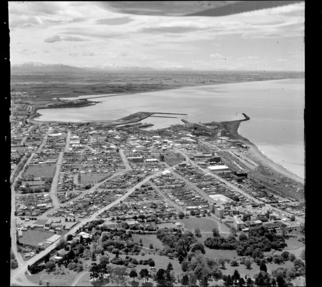 Timaru, looking to the north from the Botanic Gardens