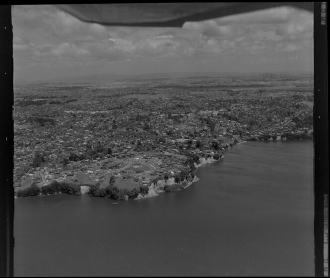 Cockle Bay, Howick, with Waitemata Harbour, Auckland