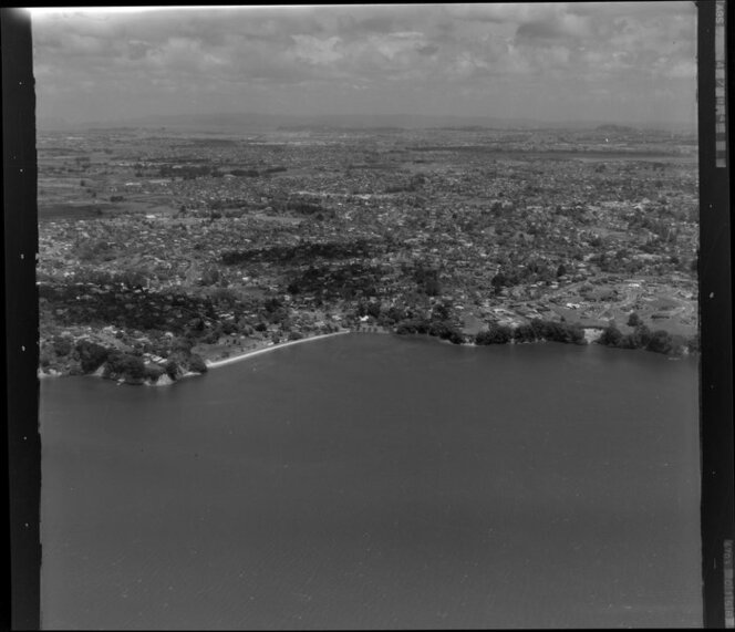 Cockle Bay, Howick with Waitemata Harbour, Auckland