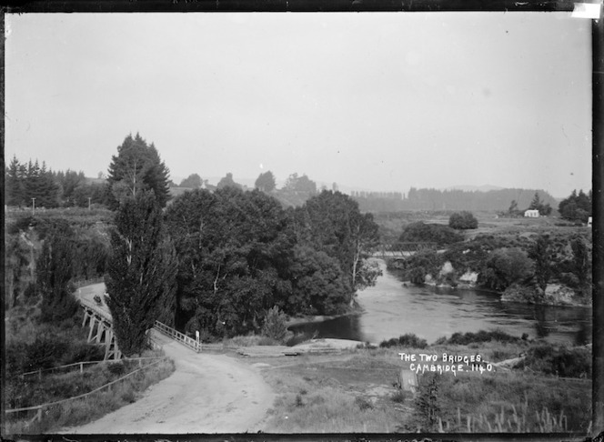 The two bridges over the Waikato River at Cambridge, ca 1910s